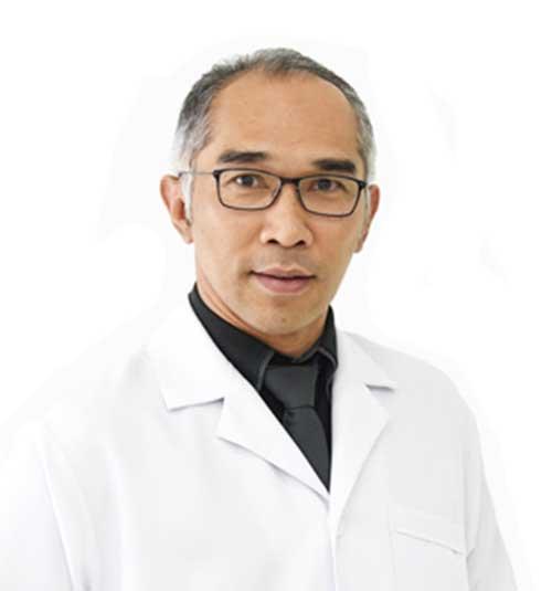 Dentist Dr Boworn Klongnoi