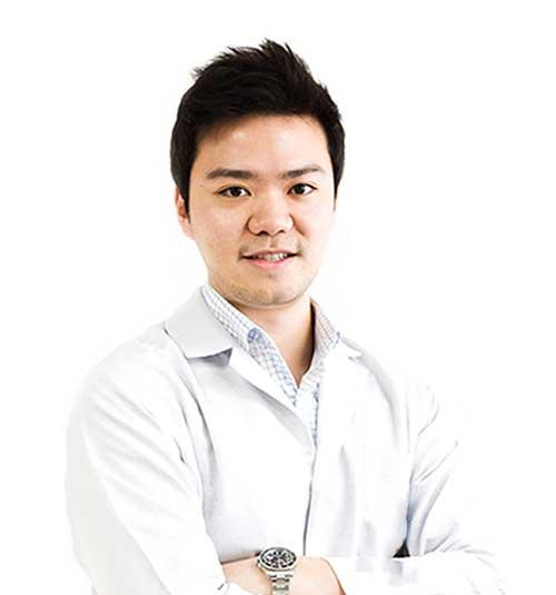 Dentist Dr Natthapong Udomlarptham