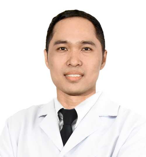 Dentist Dr Somkiat Aimplee